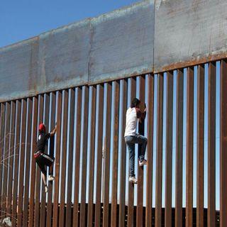 Trump recibe dinero para construir el muro