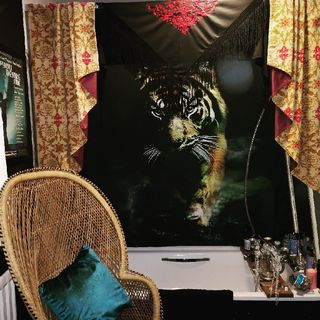 A Gentle Goodnight From The Countess - Countess of Brighton & Hackney Diaries