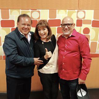"""Homenaje a """"El Chato Parada"""" en compañía de su hijo Roberto Parada y el intérprete Salvador Rivera"""