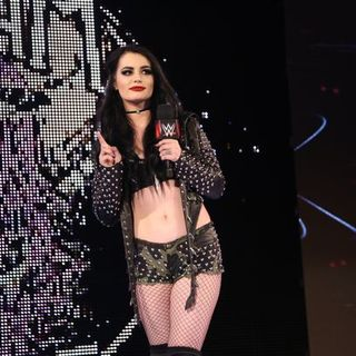 Wrestling 2 the MAX EP 282 Pt 1: Paige Not Cleared, Mark Henry Retired, RoH TV Review