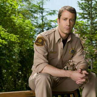 Colin Ferguson is Syfy's go-to guy for city shows! INTERVIEW