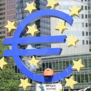 THE PRESIDENT OF FRANCE WANTS EUROZONE MEMBERS TO TRANSFER THEIR SOVEREIGNTY TO A UNITED STATES OF EUROPE