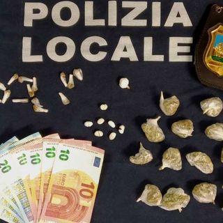 Eroina, marijuana e cocaina nelle mutande: pusher pizzicato in Campo Marzo