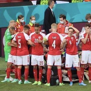 Fra fodboldfest til nationalt traume: Derfor påvirkede Eriksens kollaps os voldsomt