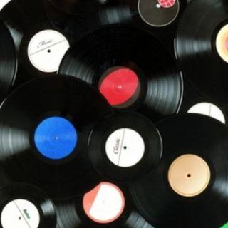 Ristori per 2,5 milioni di euro in arrivo ai negozi di dischi