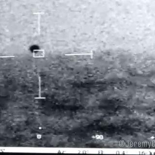 New UFO Video Splasing Into The Ocean with Rich Simpson & Pilot Matt