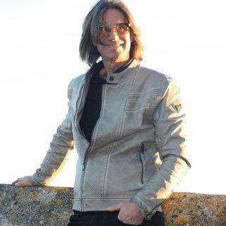 """Luigi Petruzzi con sua figlia Arianna pubblica il suo primo album, """"Solamente tu"""""""