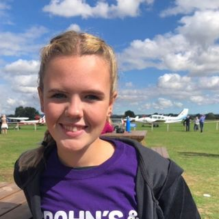 Episode 5 - Poppy's Skydive Expierence and Internimate Colitis