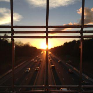 Vollwissen0031: Kosmos Autobahnraststätte