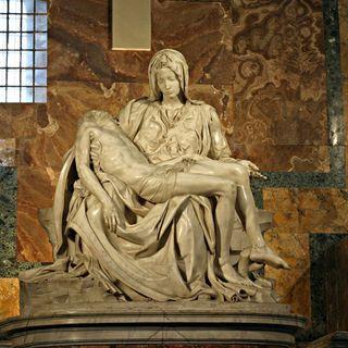 L'immortale bellezza scolpita nel marmo: la Pietà di Michelangelo
