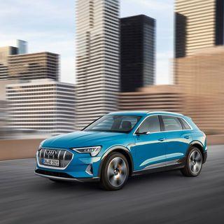 Test af Audis nye el-bil e-tron og lidt om årets bedste og værste biler – med Christian Schacht fra JP