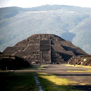 Hallan cámara secreta en la Pirámide de la Luna