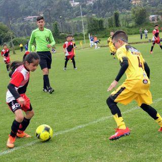 Rueda el balón: fútbol para la paz y reconciliación