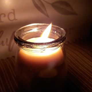Episode 10 - The Faithness Lifestyle Why Beeswax Candles?