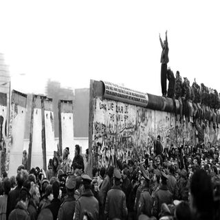 Episode 1: The Fall Of The Berlin Wall
