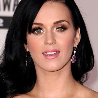#02: Teria Katy Perry um olho maior que o outro?