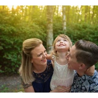 #54: On Being a Military Family with Courtney and Korinne Reese