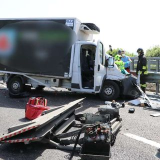 Incidente in autostrada Valdastico: grave il conducente di un furgone