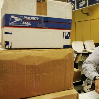 Postal Service: Use Extra Packing Tape This Holiday Season