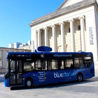 Crean autobús que limpia el aire