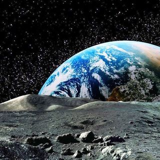 UFO Buster Radio News – 271: The Moon May Have All The Alien Evidence We Need