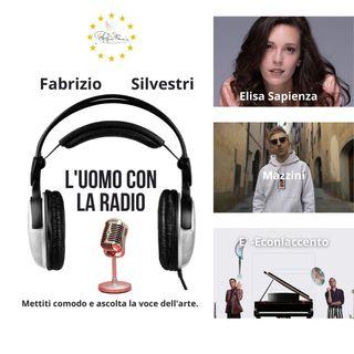 L'uomo con La radio - Elisa Sapienza, Mazzini, Econlaccento