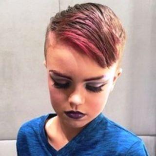 Inghilterra fuori controllo: 5 medici si dimettono per non essere complici dei traumi degli esperimenti transgender su bambini