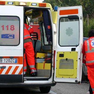 Grave incidente in strada Marosticana: centauro rimane incastrato sotto un trattore