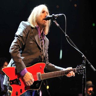 Tom Petty - Runnin' Down a Dream (Tribute)