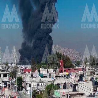 Pobladores de Ecatepec desalojados por incendio en fábrica