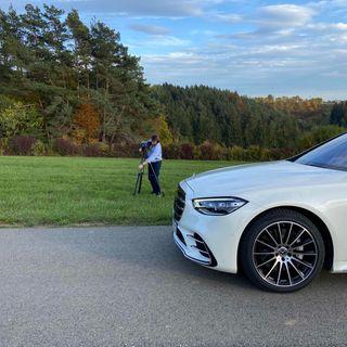 Vi tester biler fra 140.000 kr. til 2,1 mio. kr. – med gæstervært Bertel Henning
