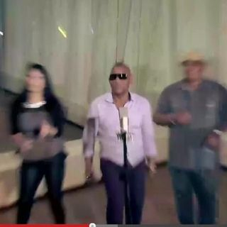 "Gilberto Sta.Rosa - ""mueve pa' quí"""