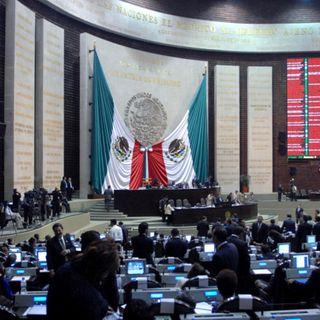Campesinos bloquean accesos a Cámara de Diputados