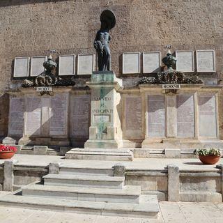 Episodio 2 - Il Monumento ai Caduti in guerra