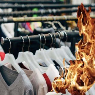 Incenerimento delle scorte e spreco di vestiti nell'industria della moda: intervista ad Ariele Elia