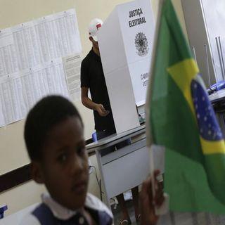 Ultraderechista gana por amplio margen en Brasil