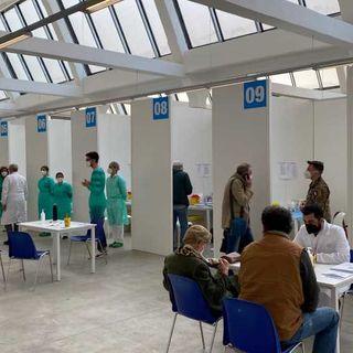 Ulss7, aperto il centro vaccini al Lanificio Conte. Chiamata straordinaria per gli over80