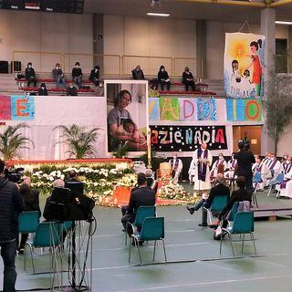 L'omaggio di Schio a Nadia, la volontaria uccisa in Perù. Palasport e piazzale per l'addio