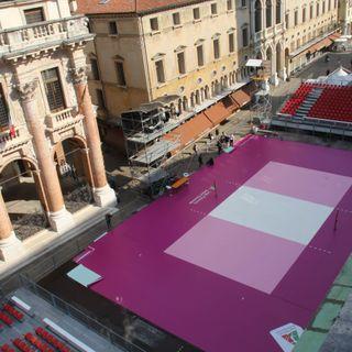 Il grande volley rosa (e tricolore) si mette in piazza, dei Signori. In quattro per il trofeo