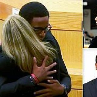 Botham Jean's Family Embraces His Killer As They Ask The Judge For Leniency During Sentencing. Let's Discuss.👎😒🔥