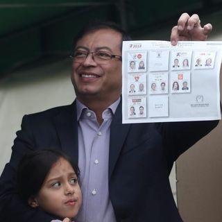 """""""Lo que nos corresponde y cuidar y vigilar el voto"""": Gustavo Petro"""
