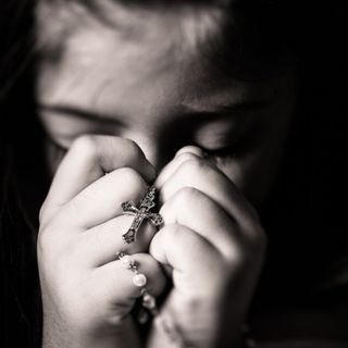 La Niña que Rezaba por El Diablo