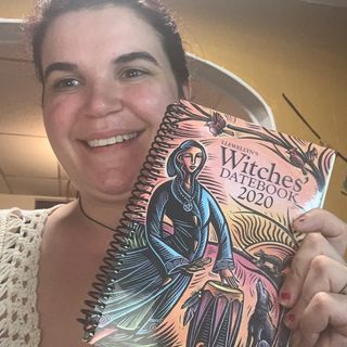 Episode 14 - Witch Talk: Witchcraft 101: Color Magic
