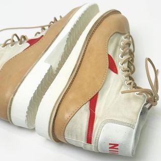 Le sneakers di Peterson+Stoop: la riparazione diventa alta moda