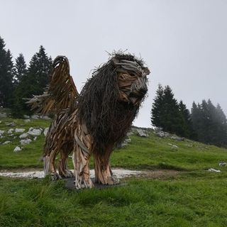 Il gigantesco leone alato vola alla Mostra del Cinema di Venezia