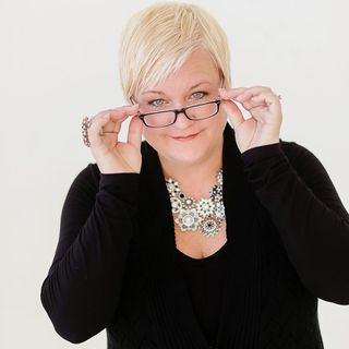 Episode #2 Janelle Meyer-Brown Owner/Planner of événement Planning & The Story Hill Firehouse (Event Planning/Event Venue)