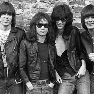 aquela playlist (da classikera, pow) #1082 #TheRamones #Ramones #punkrock #rock #stayhome #MascaraSalva #theboys #ps5 #feartwd #startrekday