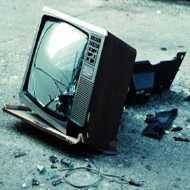 Abbandonare la televisione è reato