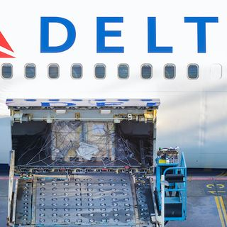 Delta CEO says company plans to extend middle seat policy amid pandemic