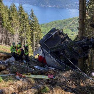 Asciende a 14 los fallecidos tras la caída de un teleférico en Italia
